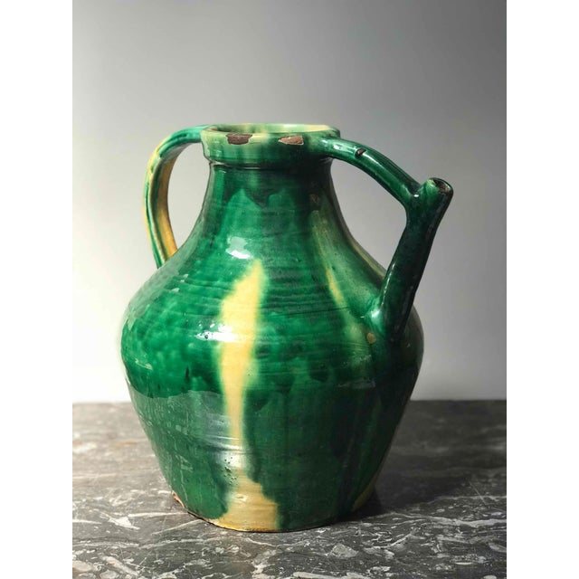 Mid-Century Modern Late 19th Century Green Glazed Pot With Yellow Accents From England For Sale - Image 3 of 5