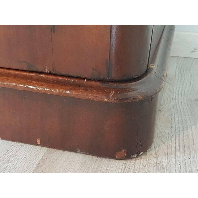20th Century English Mahogany Wood Bookcase For Sale - Image 4 of 11