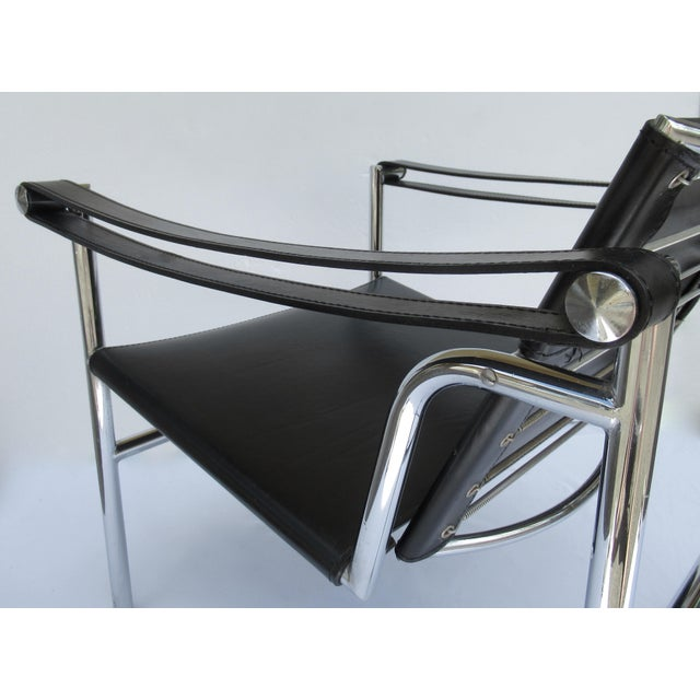 C.1950s-60s Le Corbusier LC1 Basculant Chrome & Black Saddle Leather Sling Lounge Chair For Sale - Image 10 of 13