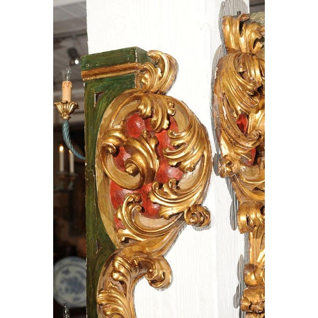 Baroque Pair of Italian Paint and Giltwood Architectural Carvings For Sale - Image 3 of 7