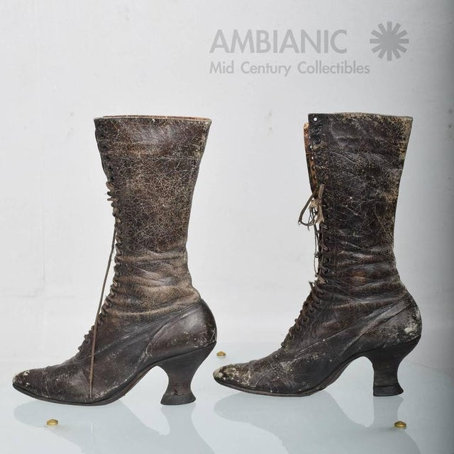 Pair of Ladies Victorian High-Top Leather Boots For Sale - Image 4 of 9