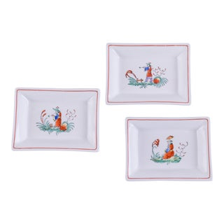 Madcap Cottage Small Chinoiserie Ceramic Trays, S/3 For Sale