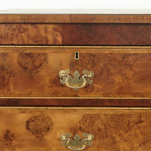 English 18th C. English Walnut Burl Wood Chest of Drawers For Sale - Image 3 of 4