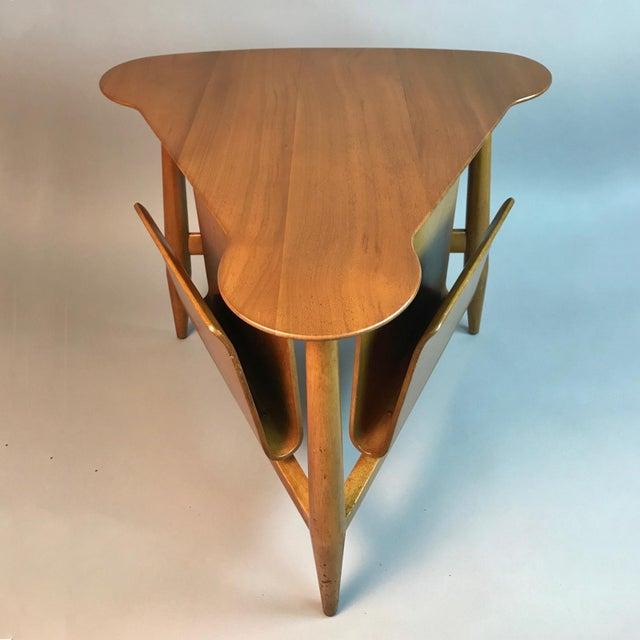 Dunbar Furniture Edward Wormley for Dunbar Wedge Shaped Magazine Table in Sap Walnut & Malabar For Sale - Image 4 of 9