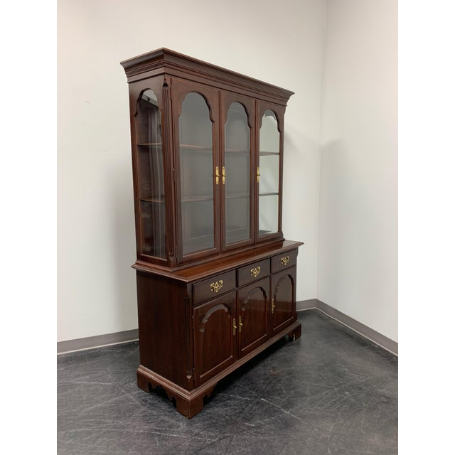 British Colonial Ethan Allen Georgian Court Solid Cherry China Display  Cabinet For Sale - Image 3 - Ethan Allen Georgian Court Solid Cherry China Display Cabinet
