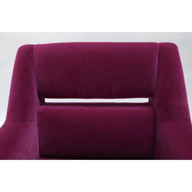 Purple 1960s Italian Style Fuchsia Mohair and Brass Armchairs - a Pair For Sale - Image 8 of 9