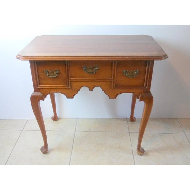 Perfect small desk. A vintage item with beautiful Queen Anne style legs. Solid wood, dovetailed drawers and ogirignal...