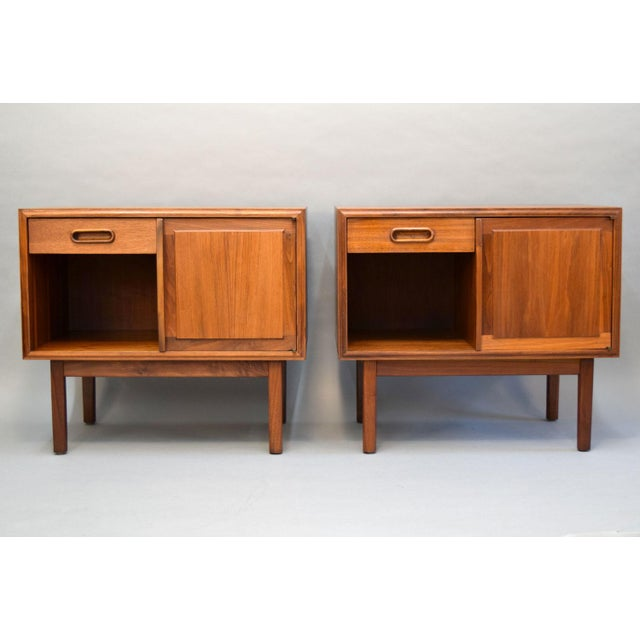 Jack Cartwright for Founders Walnut Nightstands - A Pair - Image 9 of 11