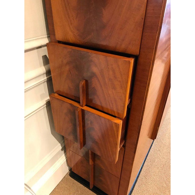"""French Art Deco Vitrine With Convex """"Bubble"""" Glass For Sale In Atlanta - Image 6 of 11"""