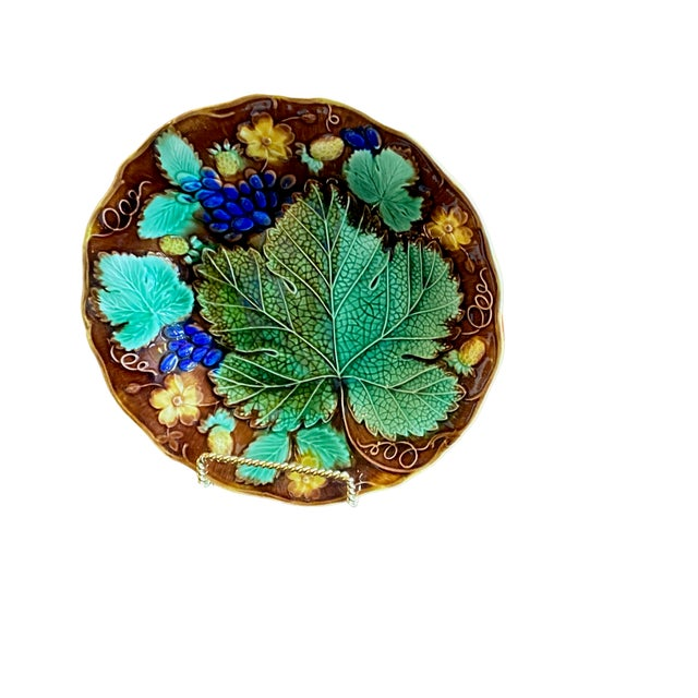 Majolica 19th Century French Majolica Plate For Sale - Image 4 of 6