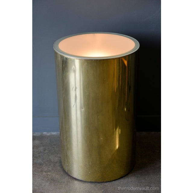 Illuminated brass pedestal stand by Curtis Jere for Artisan House, circa 1980. Original frosted glass and wiring, signed...