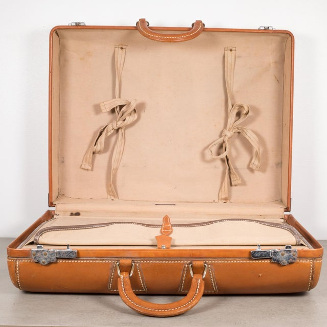 "Vintage ""The Colonel"" Leather Luggage C.1950-1960 For Sale - Image 11 of 13"
