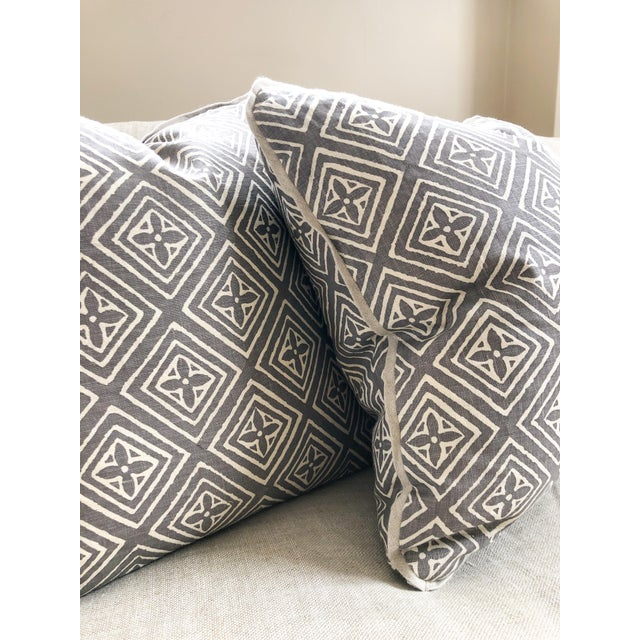 Transitional Transitional Quadrille China Seas Designer Made Fiorentina Throw Pillows - a Pair For Sale - Image 3 of 9