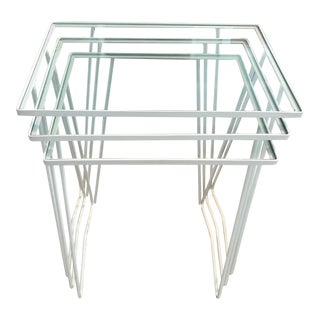 1970s Contemporary White Metal Frame Nesting Side Tables - Set of 3