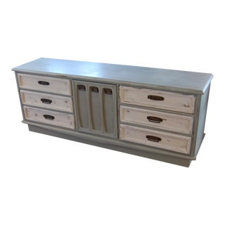 Distressed Vintage 9-Drawer Dresser