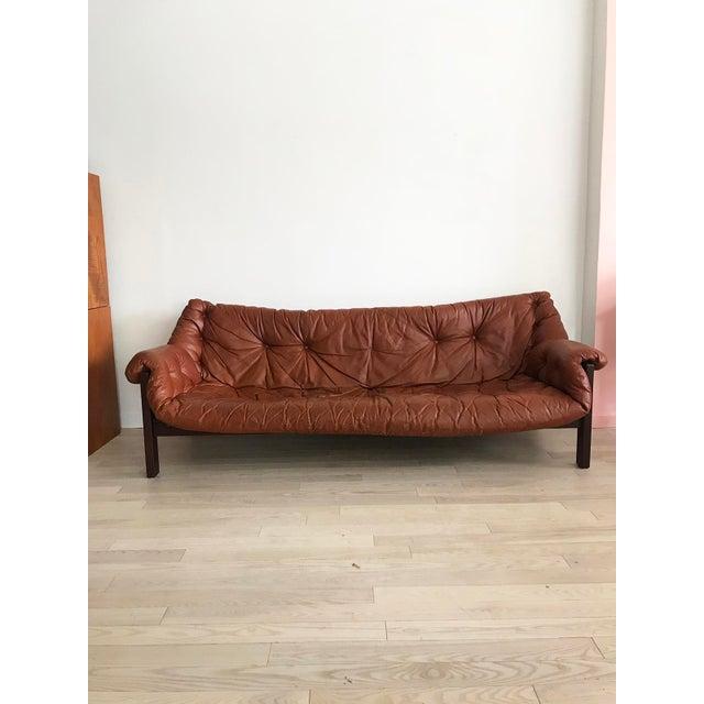 Italma 1960s Jean Gillon Brazilian Rosewood Leather Sling Sofa by Italma For Sale - Image 4 of 9