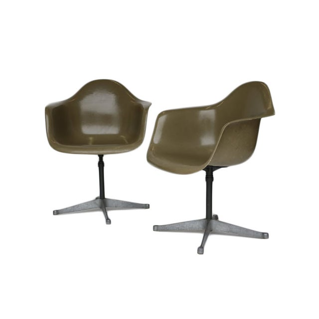 Charles Eames Bucket Swivel Chair - Pair - Image 1 of 8