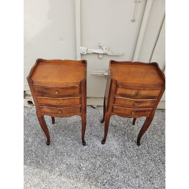 20th Century French Louis XV Walnut Bedside Cabinets - a Pair For Sale In Austin - Image 6 of 10