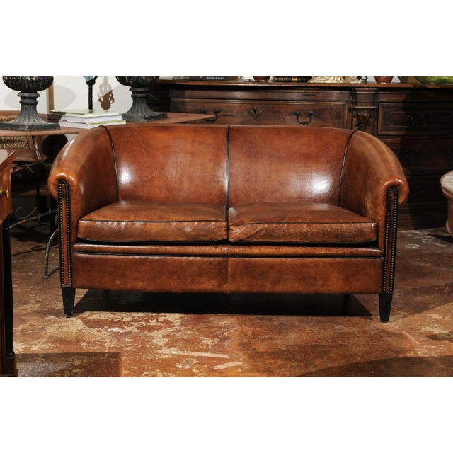 Early 20th Century French Turn of the Century Brown Leather Sofa with Nailhead Trim, circa 1900 For Sale - Image 5 of 12