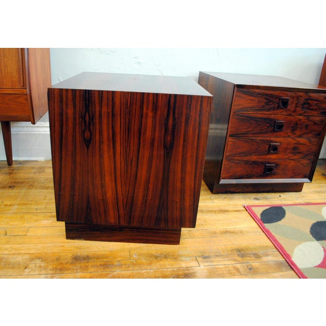 Danish Brazilian Rosewood 4 Drawer Nightstands- A Pair For Sale - Image 4 of 10