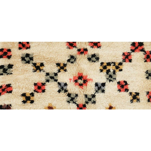 "Vintage Azilal Moroccan Berber Rug - 4'2"" x 6'4"" - Image 2 of 3"