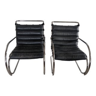 Original Vintage Knoll Mr Lounge Chairs With Arms - a Pair For Sale