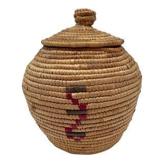 Northwest Coast Yup'ik Native Lidded Coiled Grass Basket
