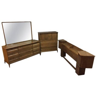Mid-Century Modern Heywood-Wakefield Sable Color 'Cadence Bedroom Set - Set of 4 For Sale