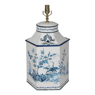 Vintage Hand-Painted British Export French Chinoiserie Tea Caddy Table Lamp in Blue & White For Sale