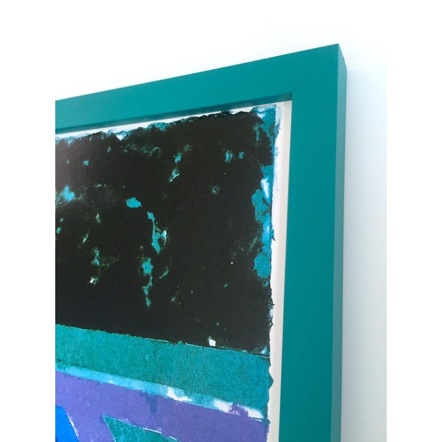 """David Hockney Rare Vintage 1988 Iconic Lithograph Print Framed Exhibition Poster """" Day Pool With Three Blues """" 1978 For Sale - Image 9 of 13"""