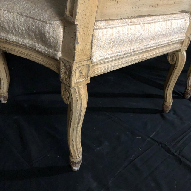 French Louis XIV Neoclassical Style Cream Painted French Bergere Armchairs -A Pair For Sale - Image 3 of 13