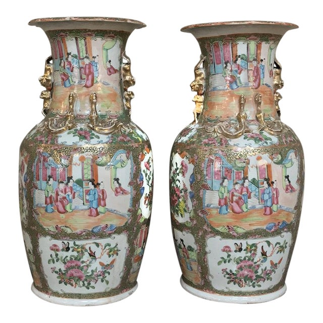 Pair 19th Century Hand-Painted Cantonese Rose Medallion Porcelain Vases For Sale
