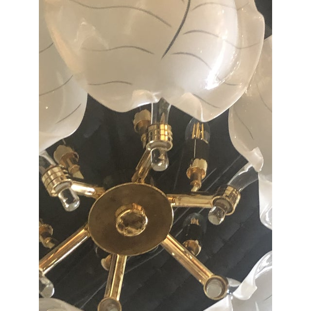 Vintage Italian Hollywood Regency Murano Glass Brass Tropical Leaf Chandelier For Sale In West Palm - Image 6 of 10