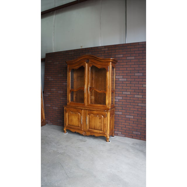 Ethan Allen French Country China Cabinet - Image 8 of 8