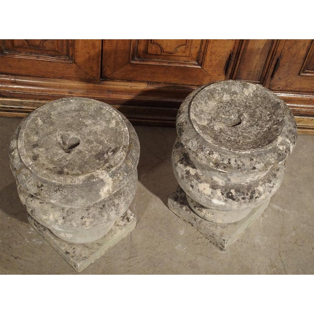 Gray Pair of Antique Carved Stone Garden Finials From Bordeaux France, 19th Century For Sale - Image 8 of 12