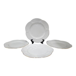 Regency Shelley Bone China Scallop Rim White Gold Dinner Plate Set - 4 Piece Set For Sale