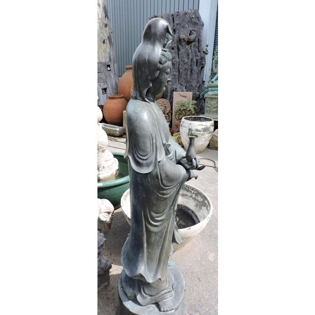 Immaculate Bronze Statue of Quan Yin, the Goddess of Mercy and Compassion For Sale - Image 4 of 9
