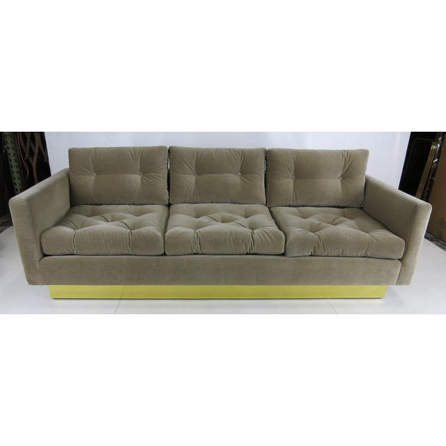 Mid-Century Modern Tufted Sofa with Brass Base by Milo Baughman For Sale - Image 3 of 5
