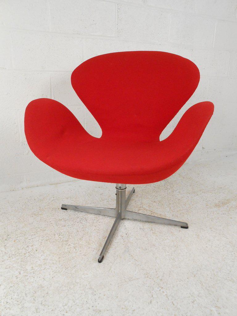 World Class Arne Jacobsen Swan Chair For Fritz Hansen Decaso