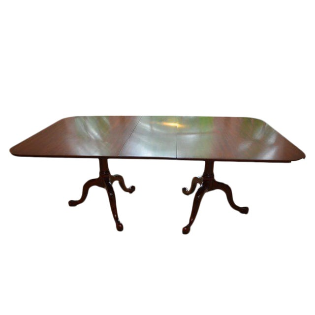 Henkel Harris Queen Anne Style Pedestal Dining Table For Sale