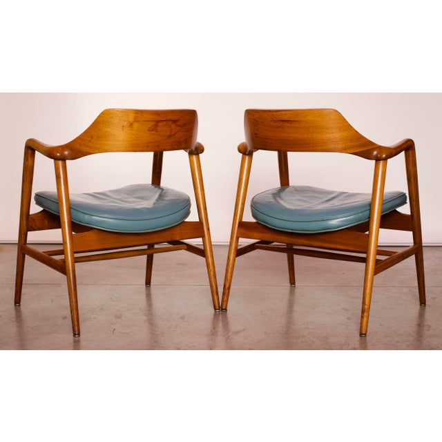 1960s Vintage Gunlocke Co. Walnut Armchairs - a Pair For Sale - Image 9 of 12