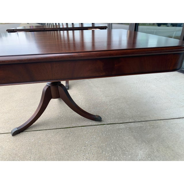 American Vintage Berkey and Gay Dining Table and 7 Chairs - 8 Pieces For Sale - Image 3 of 13