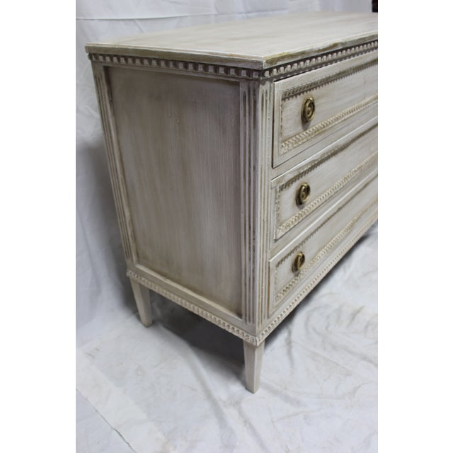 Early 20th Century 20th Century Beaded Gustavian Gold Leaf Trim Chest of Drawers For Sale - Image 5 of 7