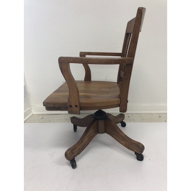 1930s Vintage Industrial Wood Swivel Banker Chair For Sale - Image 5 of 13