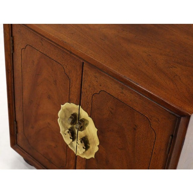 Pair of Mid-Century Modern Two Doors Nightstands by Henredon For Sale - Image 11 of 12