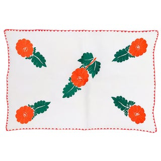 1950s Cottage Floral Hibiscus Hand Stitched Crocheted Linen Tablecloth Table Runner For Sale