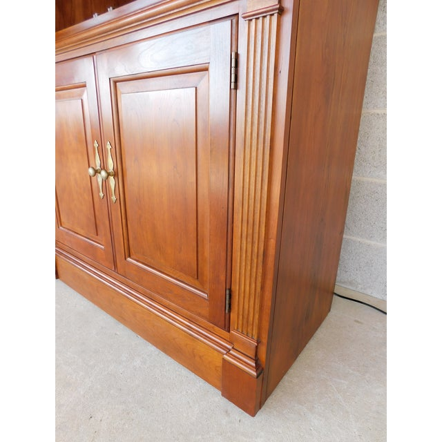 """Stickley Cherry 4 Door Bookcase Lighted Display Wall Cabinet Model 4740 """"B"""" For Sale In Philadelphia - Image 6 of 13"""