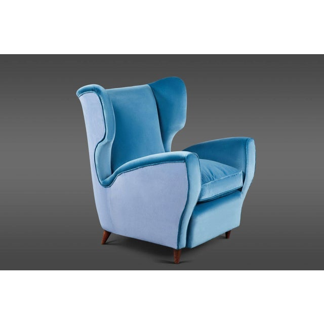 Italian Pair of Italian Mid-20th Century Wingback Chairs in Two Tones of Velvet For Sale - Image 3 of 7