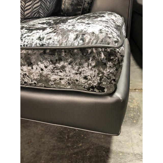 2010s Modern Contemporary Crushed Velvet Daybed Sofa For Sale - Image 5 of 13