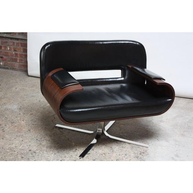 Mid-Century Modern Brazilian Modern Jacaranda and Leather Swiveling Lounge Chair by Jorge Zalszupin For Sale - Image 3 of 13